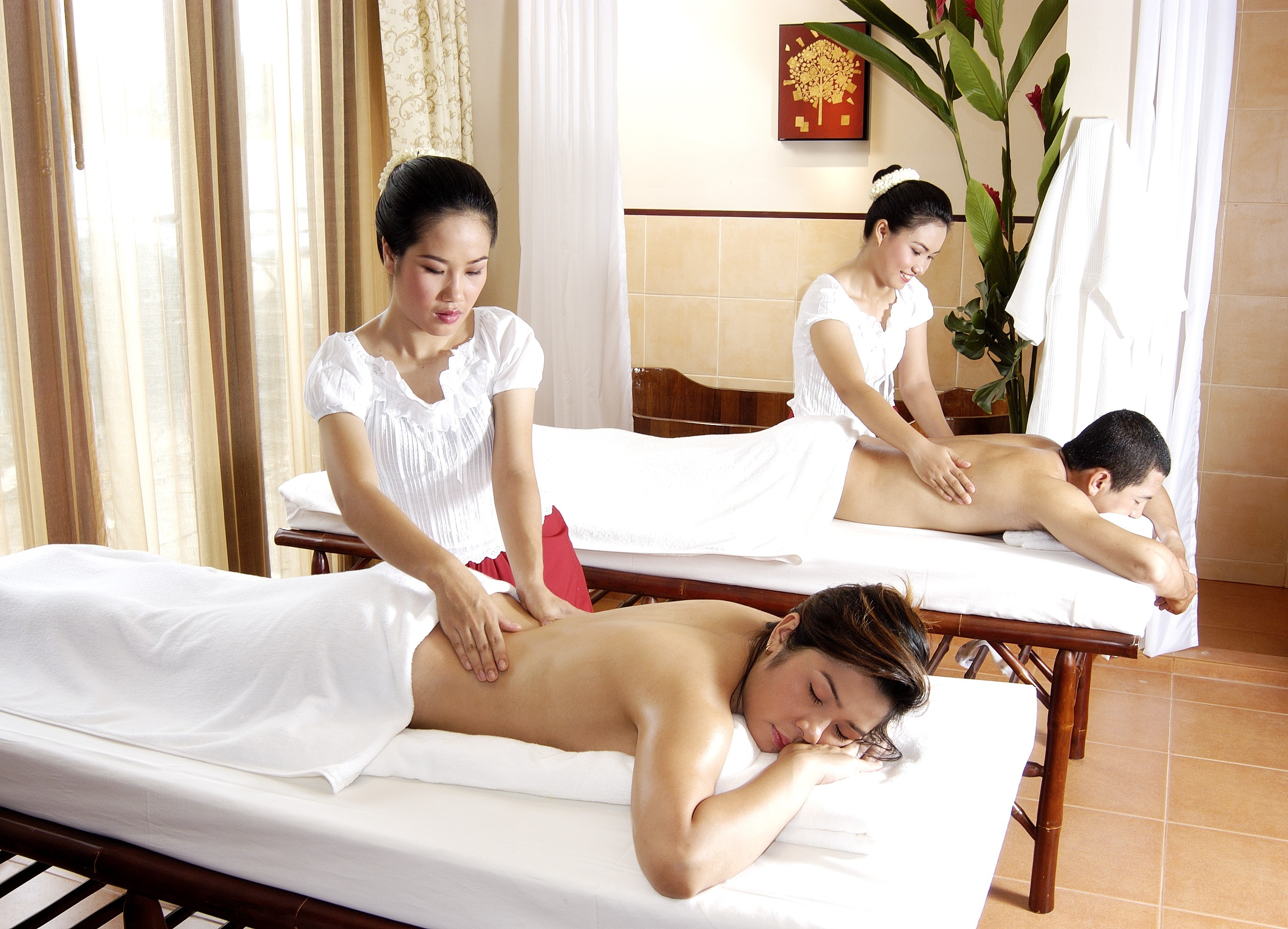 nong thai massage escorter i stockholm