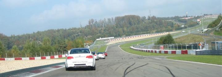 Kör på Nurburgring Upplevelse present