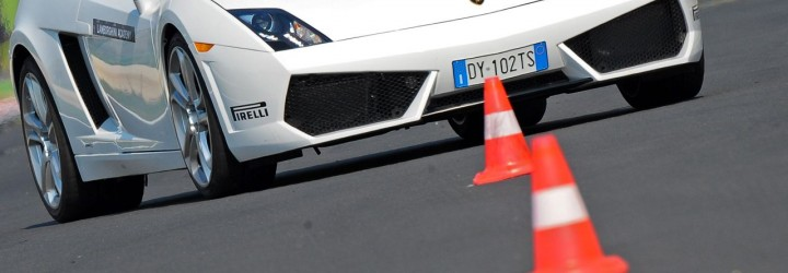 Lamborghini Academy upplevelse present